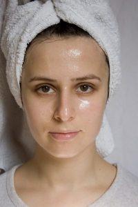 yağlı cilde maya maskesi