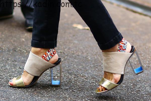 topuklu ayakkabı kullanımı