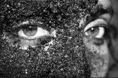 Kahve Maskesi ile Göz altlarına Elveda