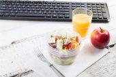 İş Yerinde Sağlıklı Beslenmenin 10 Yolu