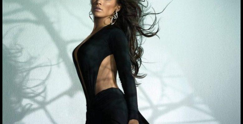 Jennifer Lopez'in Yıllara Nasıl Meydan Okuduğunu Anlatıyoruz
