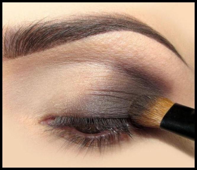 Tek Renk Far Kullanımı İle Kolay Göz Makyajı